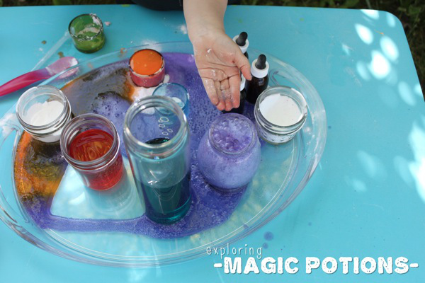 exploring-magic-potions-mama-papa_-bubba_1